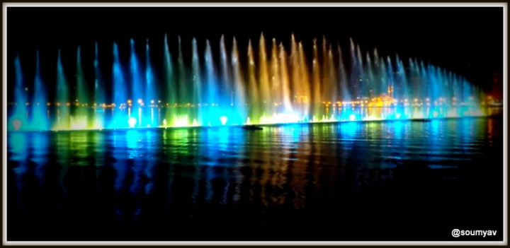 colours of a mucical fountain
