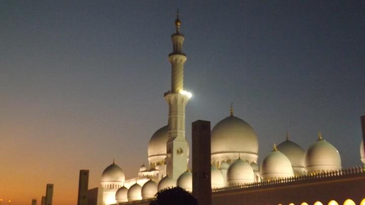 Grand Mosque , AbuDhabi ©Soumya